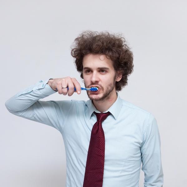将来入れ歯にならないために!年齢別、注意したい歯のトラブル