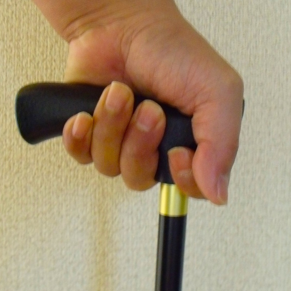 「歩く」を助ける 杖、歩行器、歩行車の選び方
