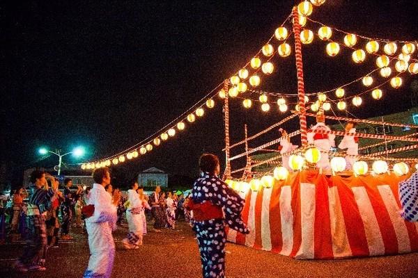 焼き鳥・たこ焼き・盆踊り、介護施設の夏祭りの様子って?